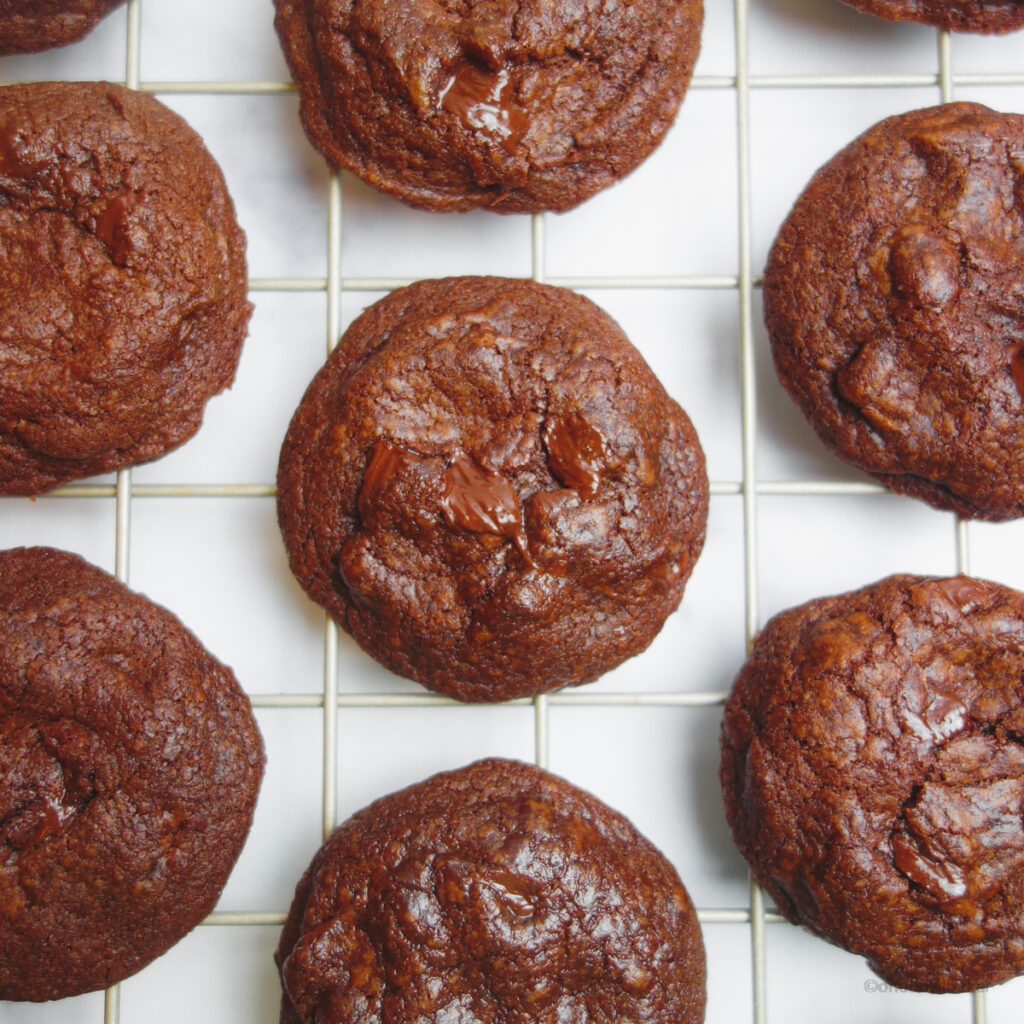 double chocolate cookies on a cooling rack